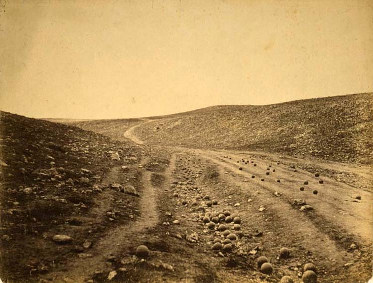 Roger Fenton, The valley of the shadow of death.