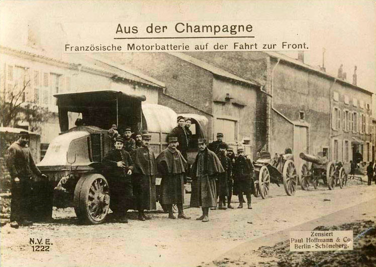 Champagne: French motor battery on the route to the front.